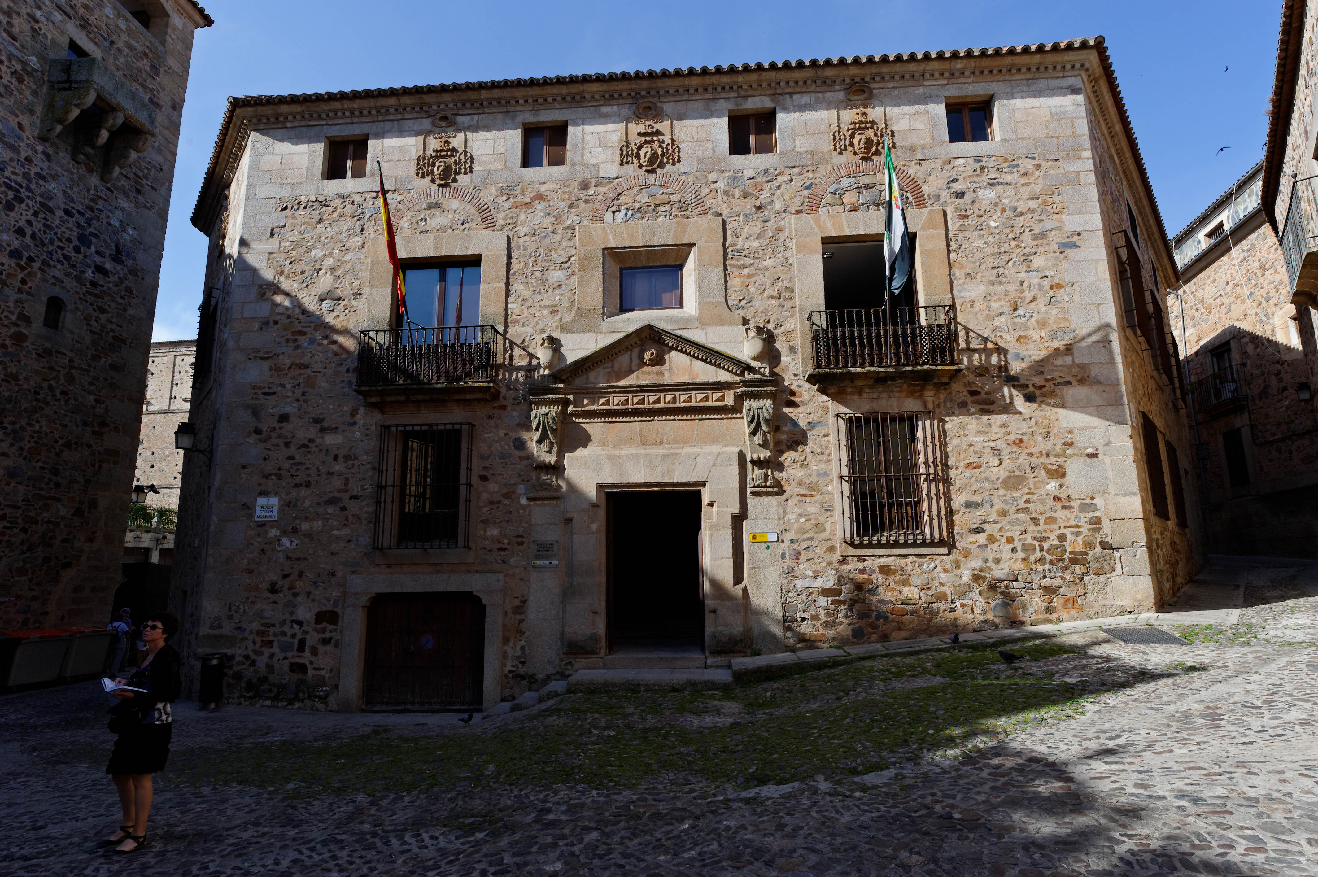 3145_ CACERES
