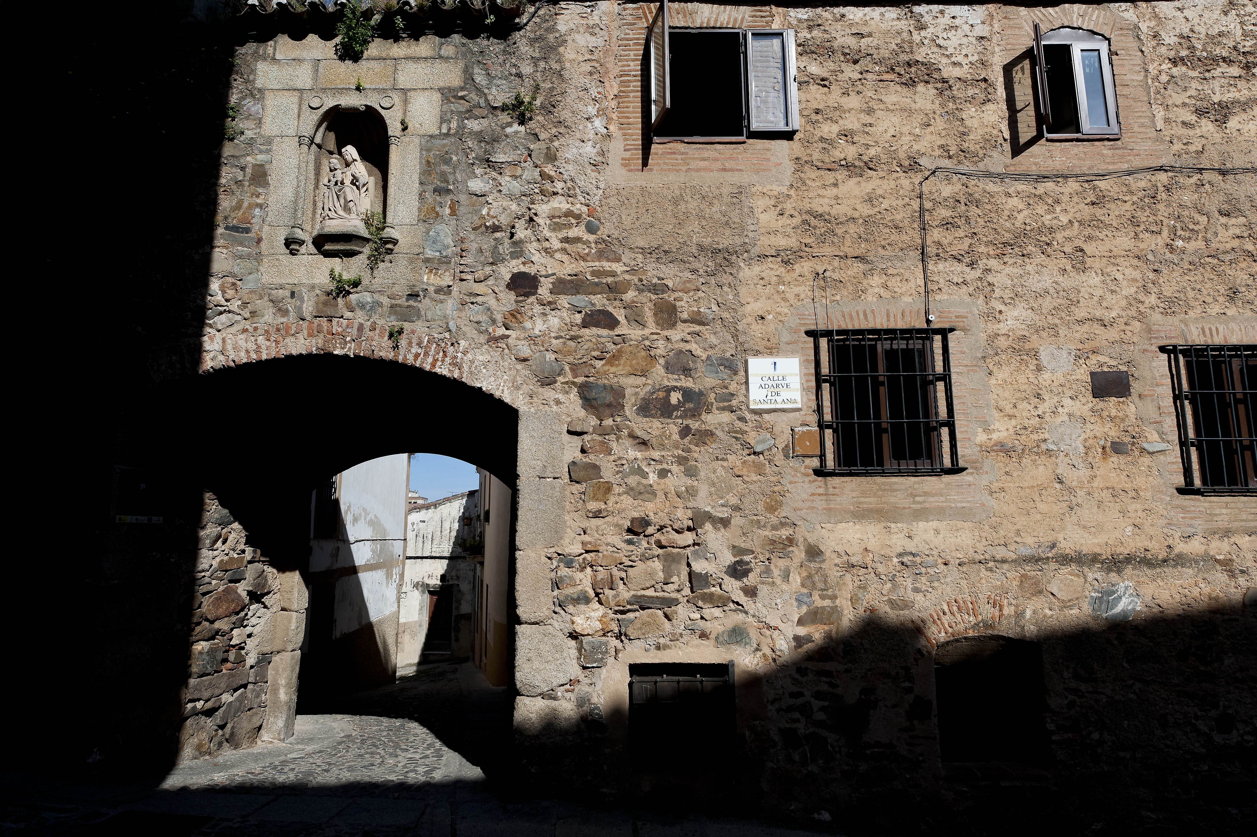 3161_ CACERES