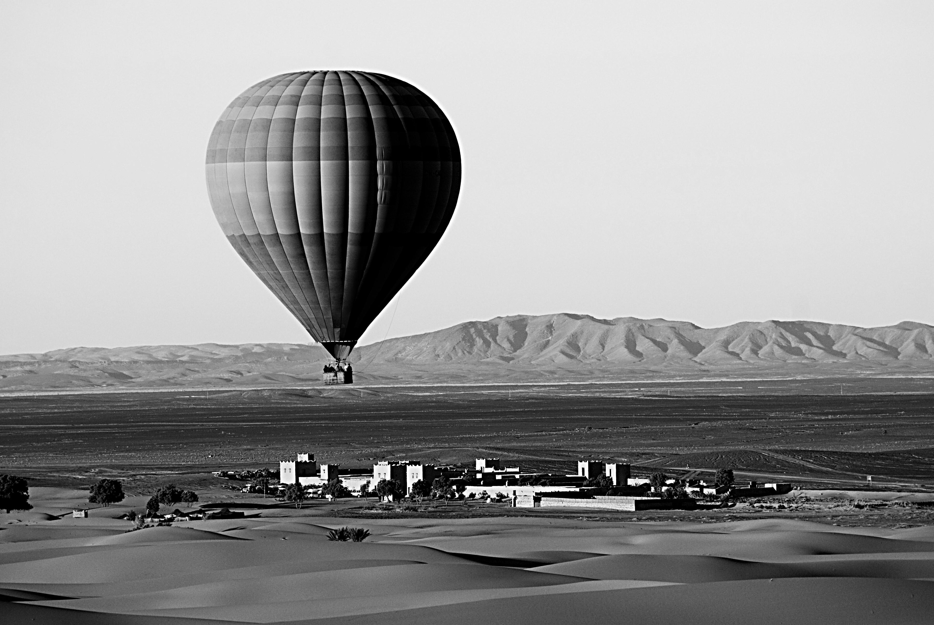 Ballon _amp_ auberge _ Merzouga