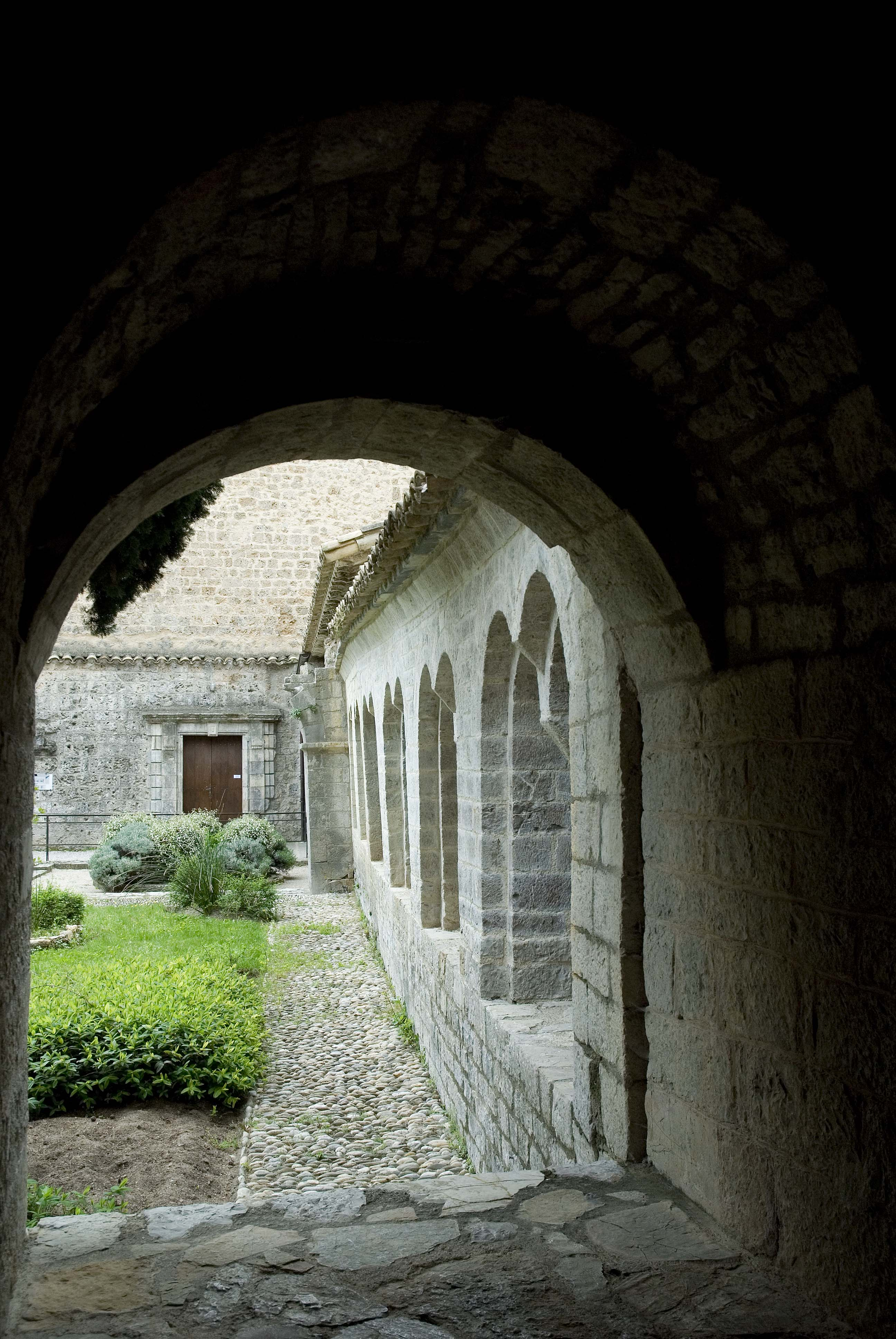 _JF12937-St Guilhem le d_sert