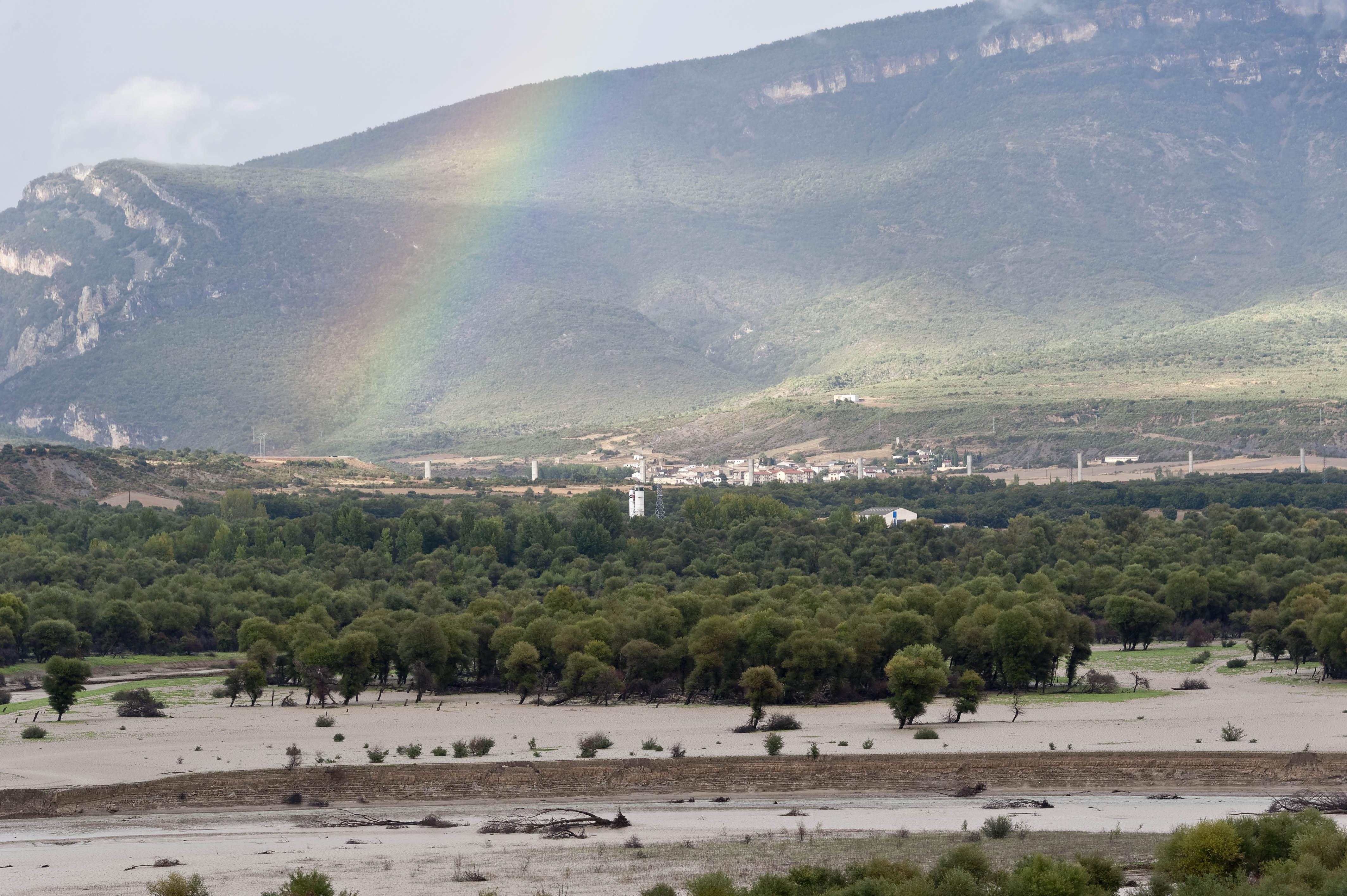 3313_Route de Ruesta - Lac Yesa (Aragon)