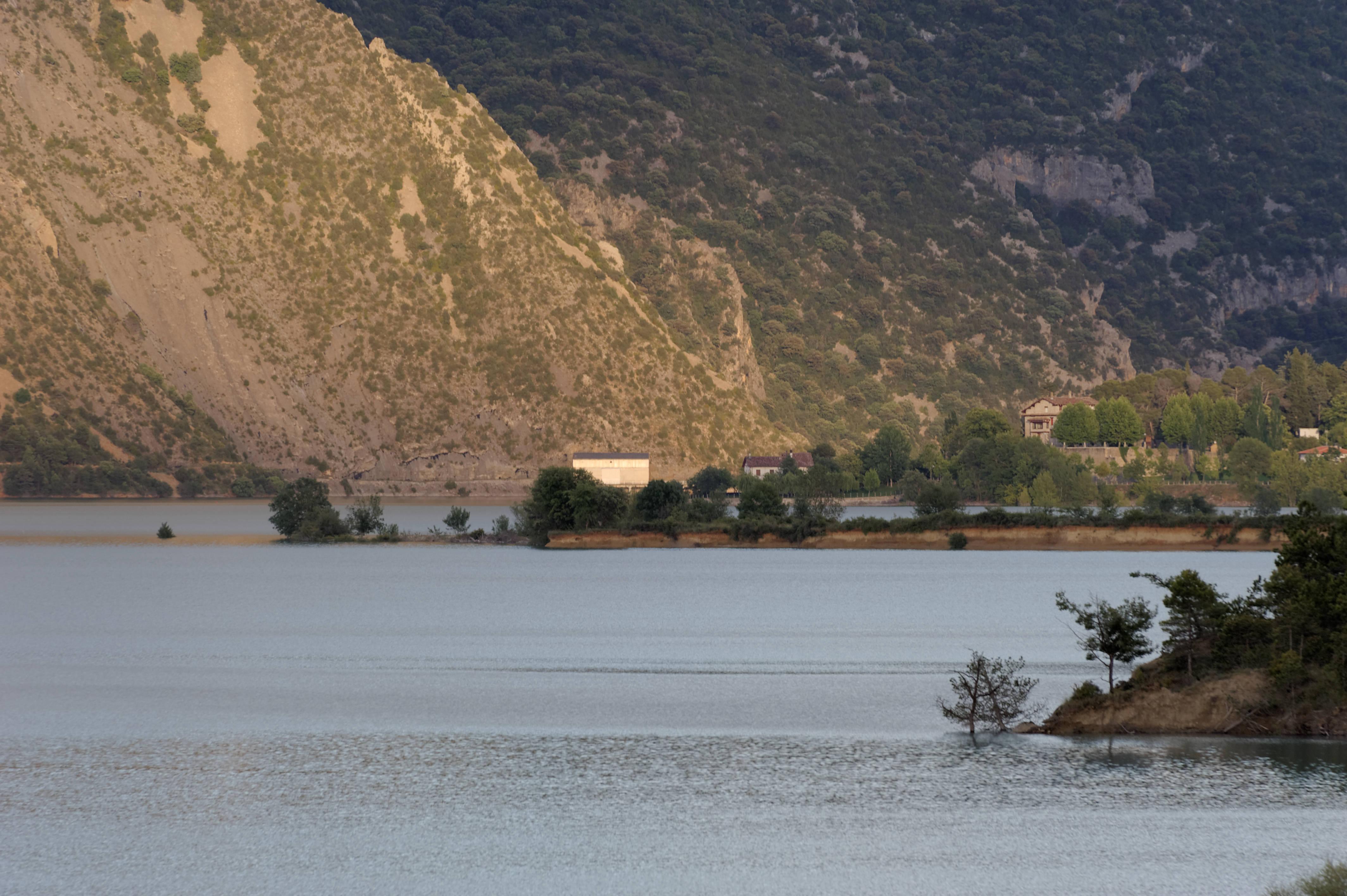 6527_Lac de Mediano (Sobrarbe)