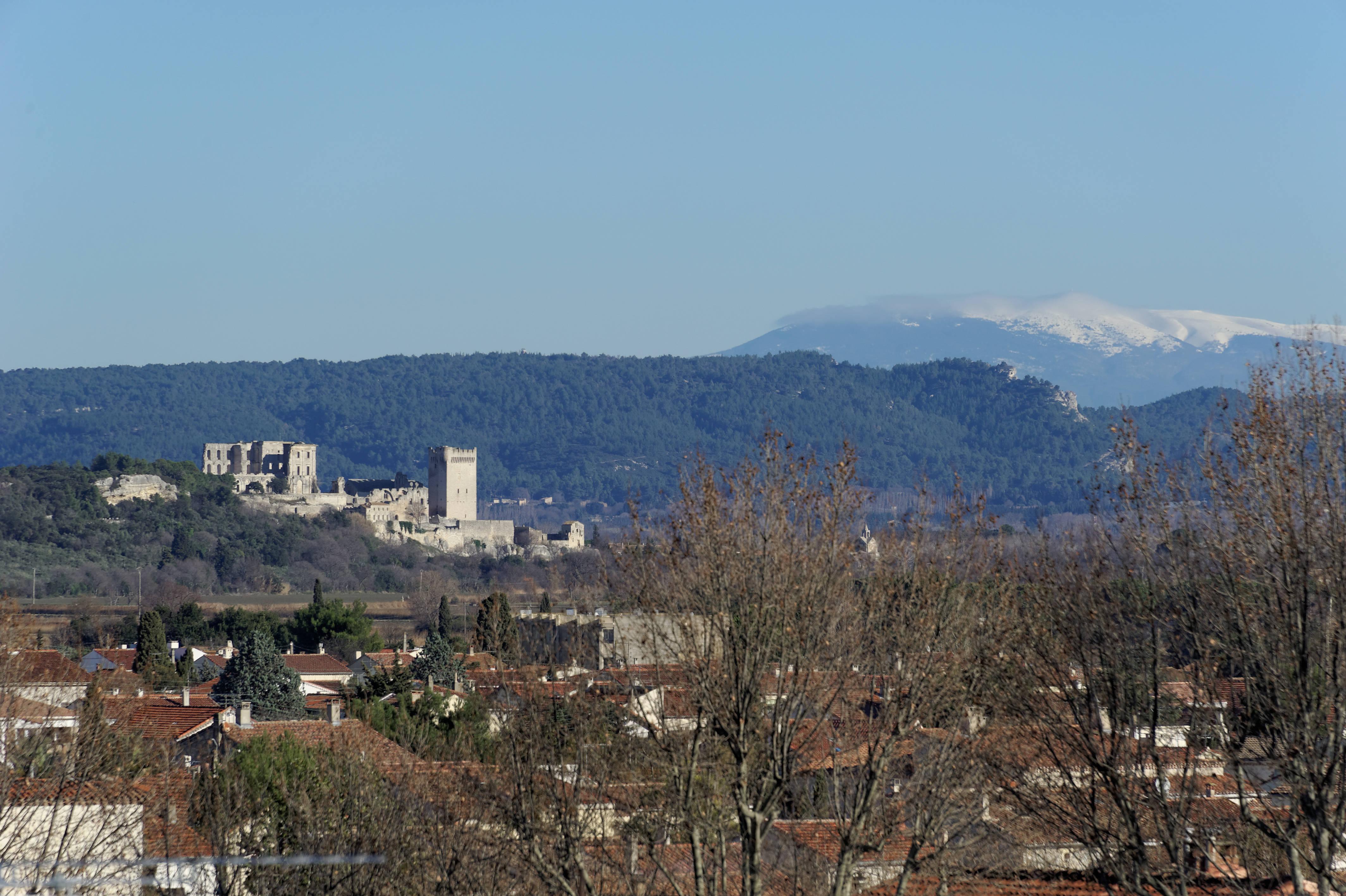 4833_Arles