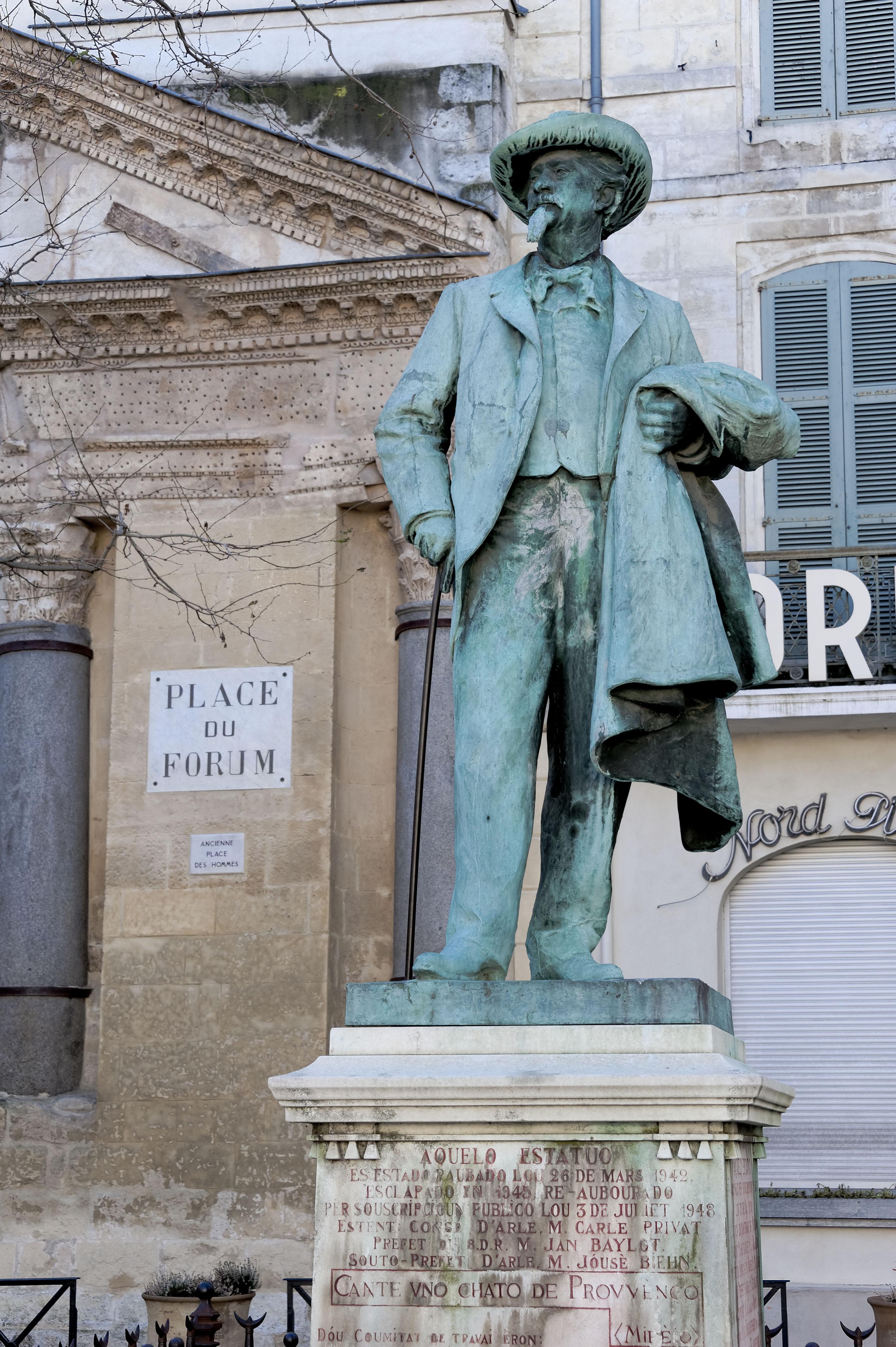 4855_Arles