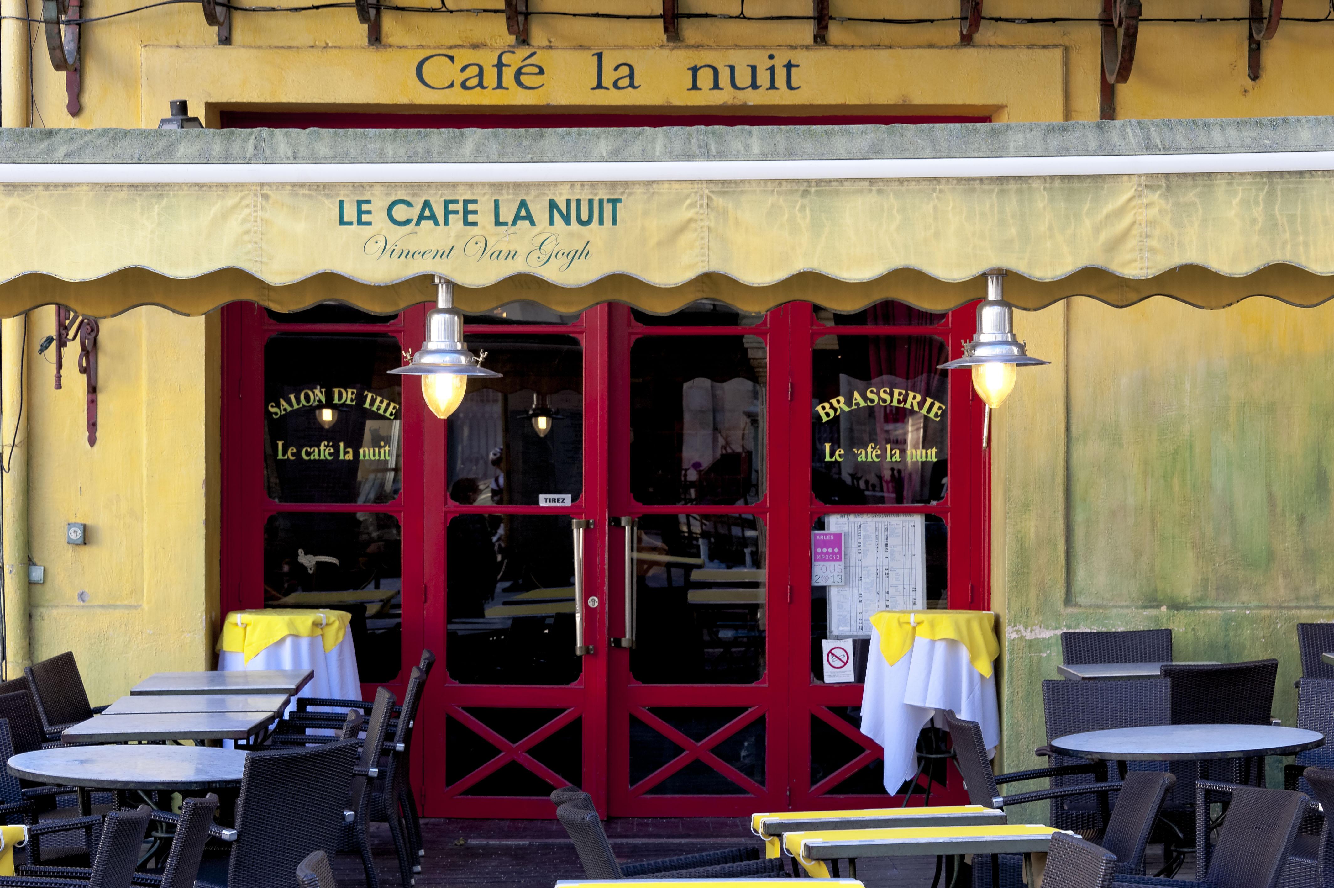 4856_Arles