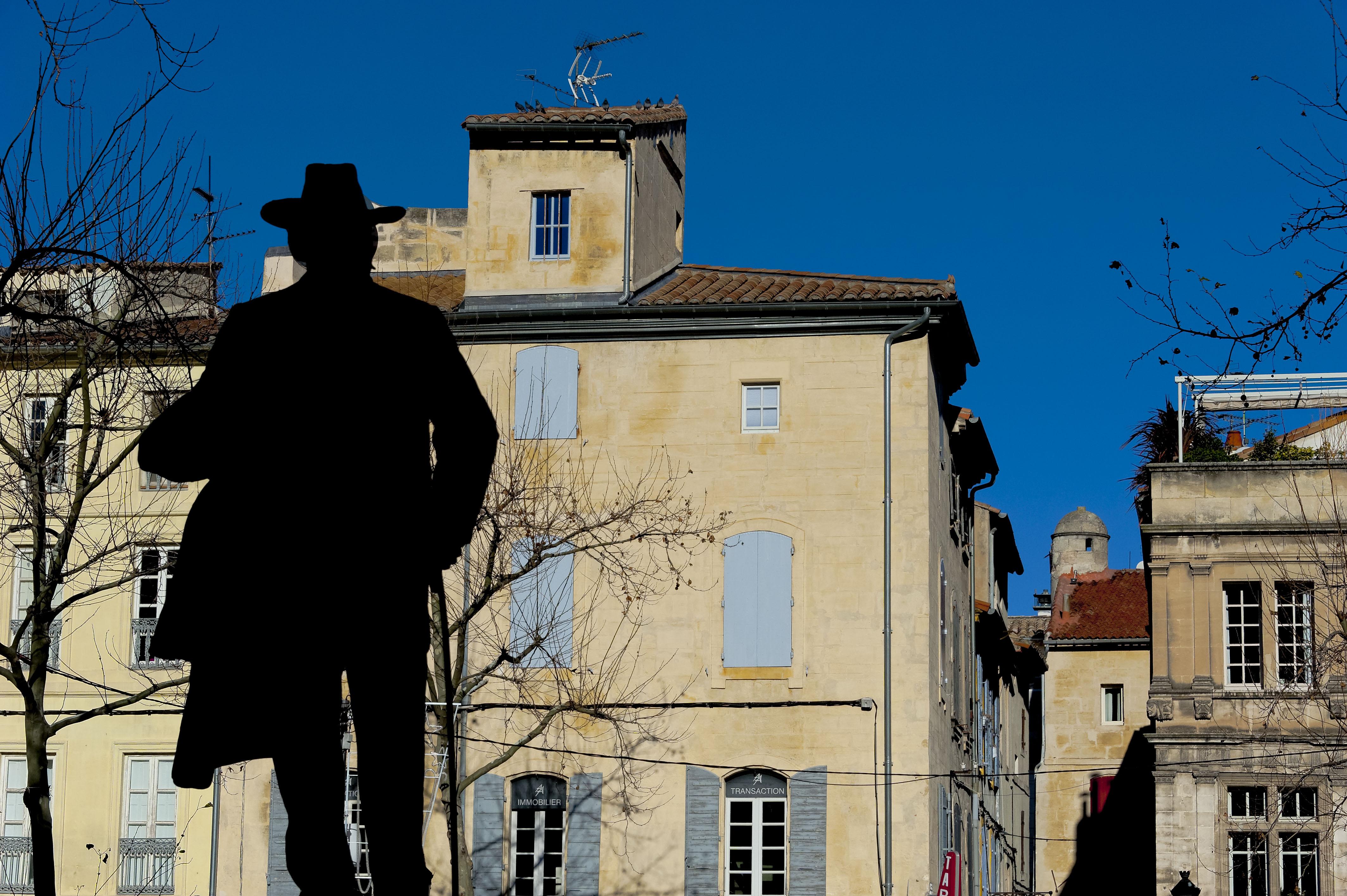 4859_Arles