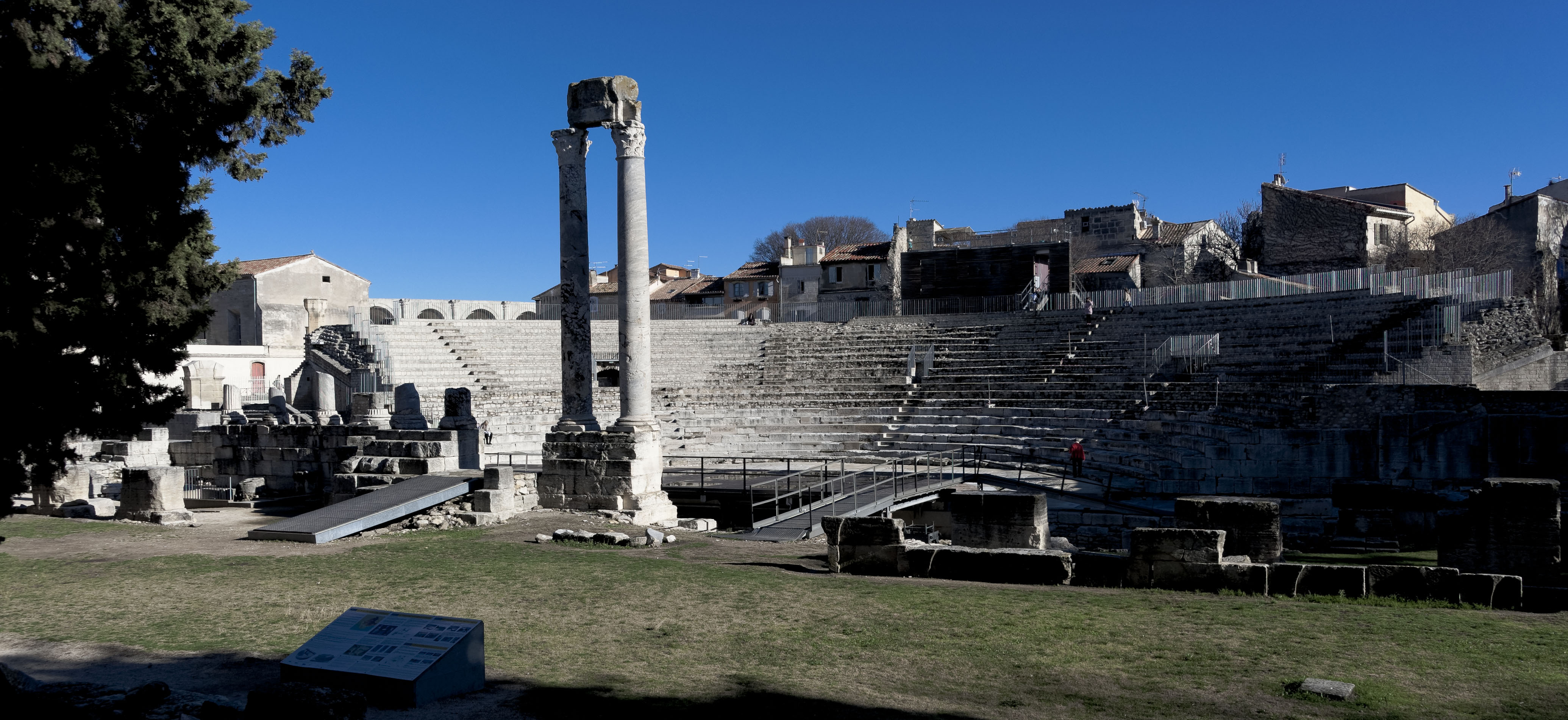 4873_Arles