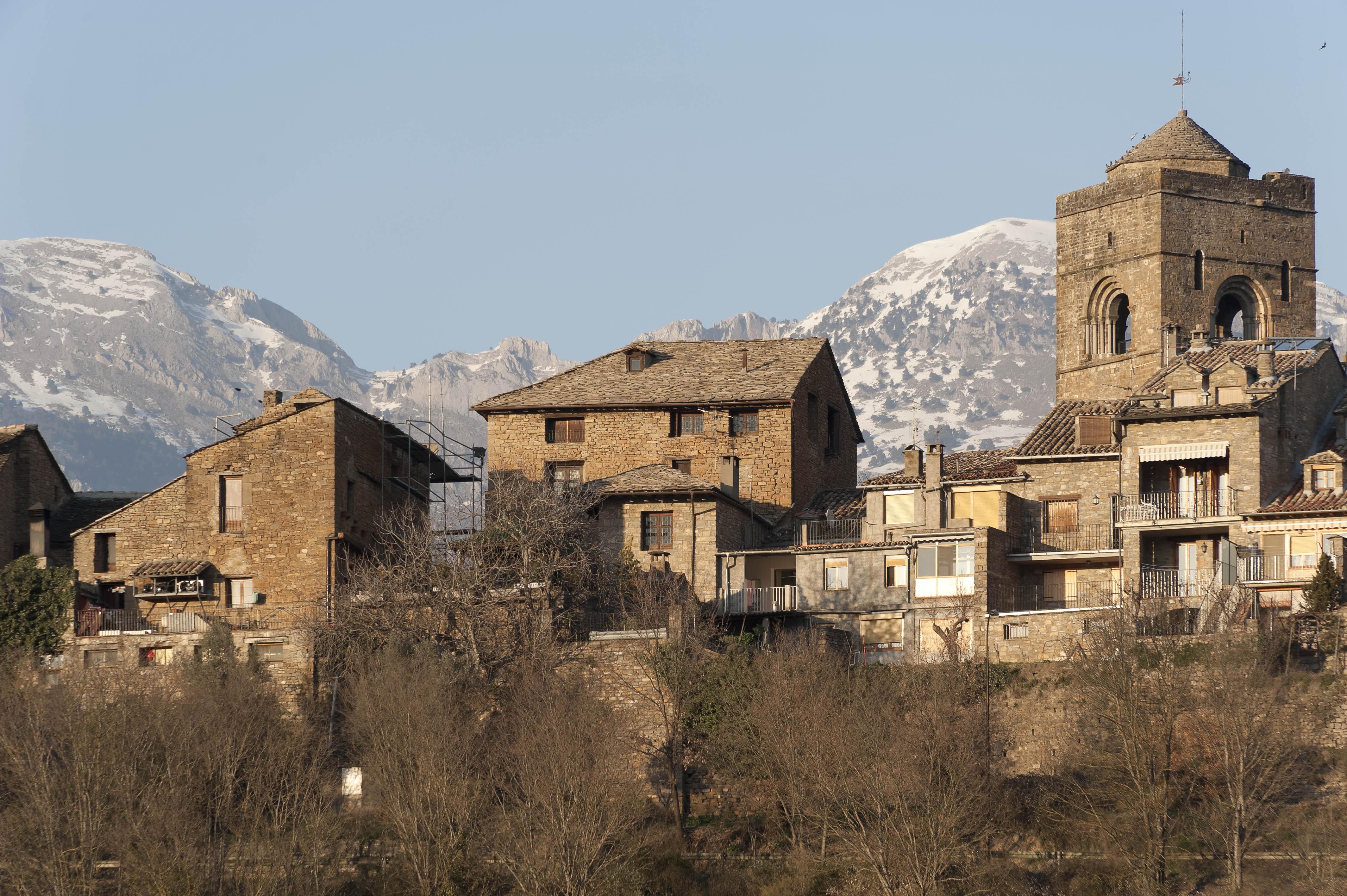 5838_en bas d'Ainsa (Sobrarbe Aragon)