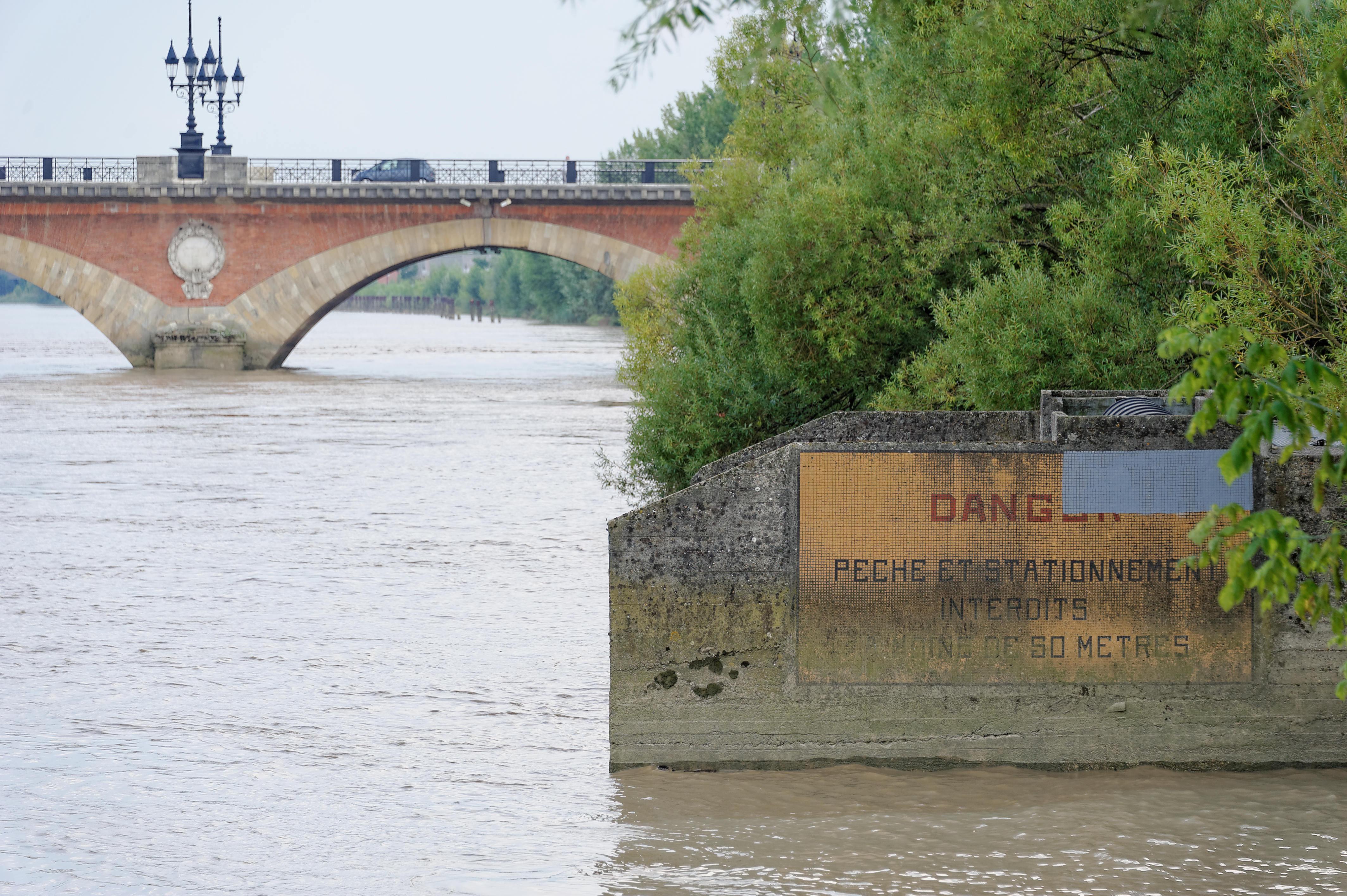 7816_Bordeaux - La Garonne