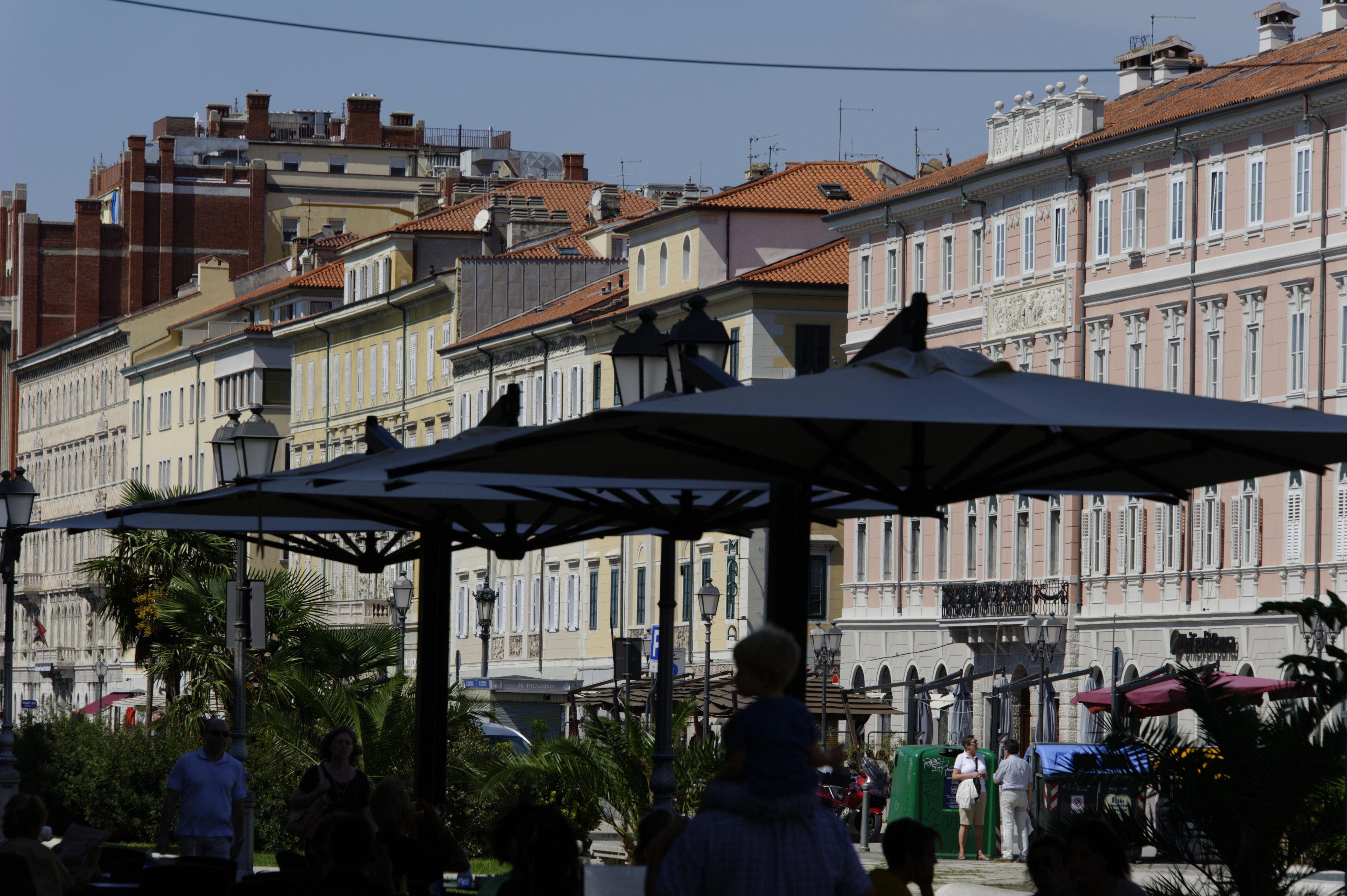 8825-Trieste