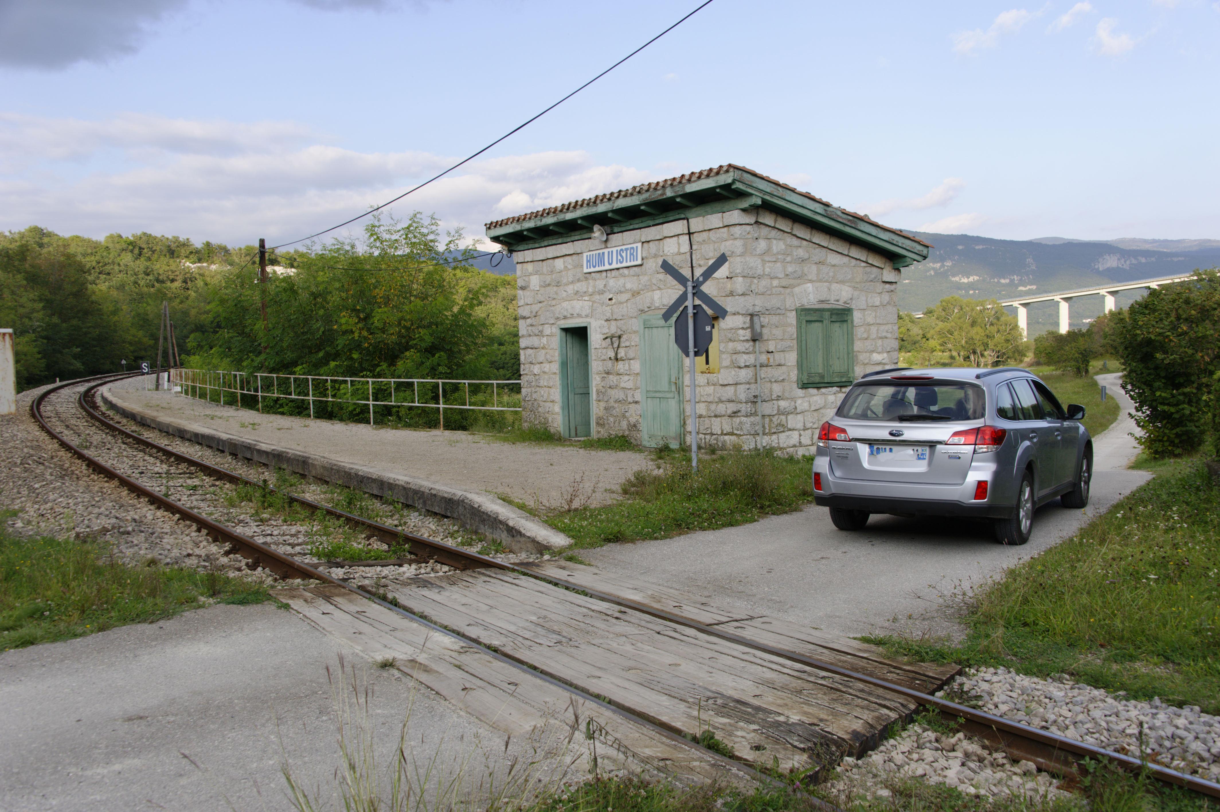 8868-Avant Motovun (Istrie)