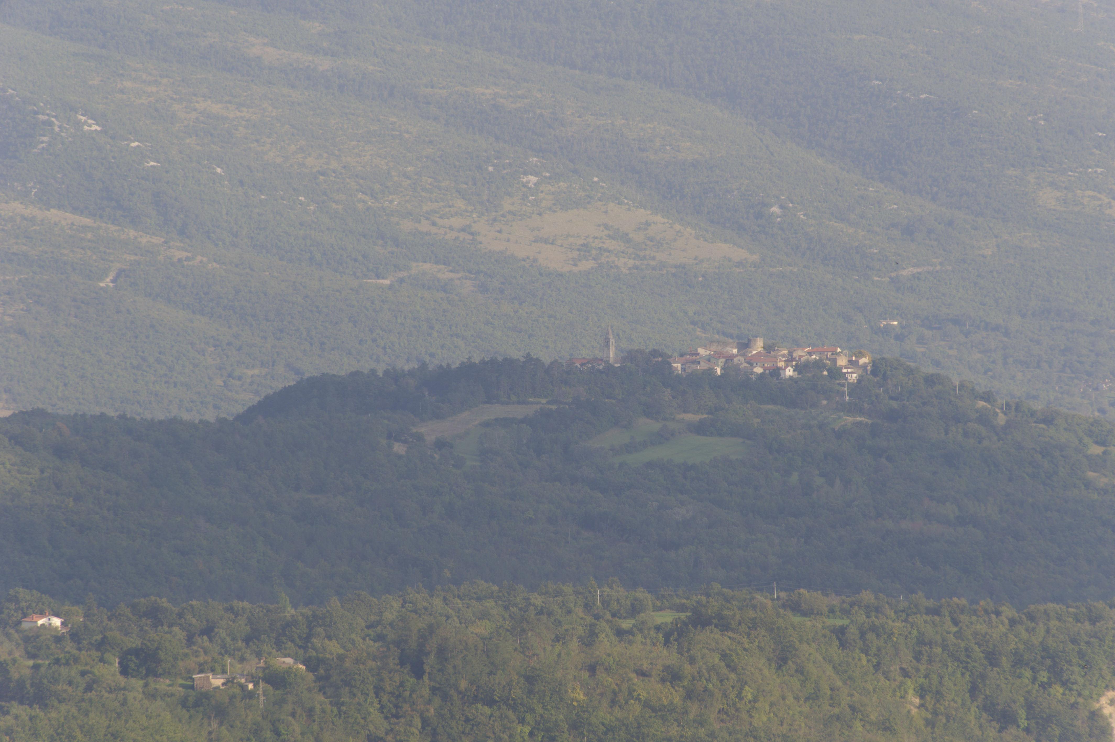 8869-Motovun (Istrie)