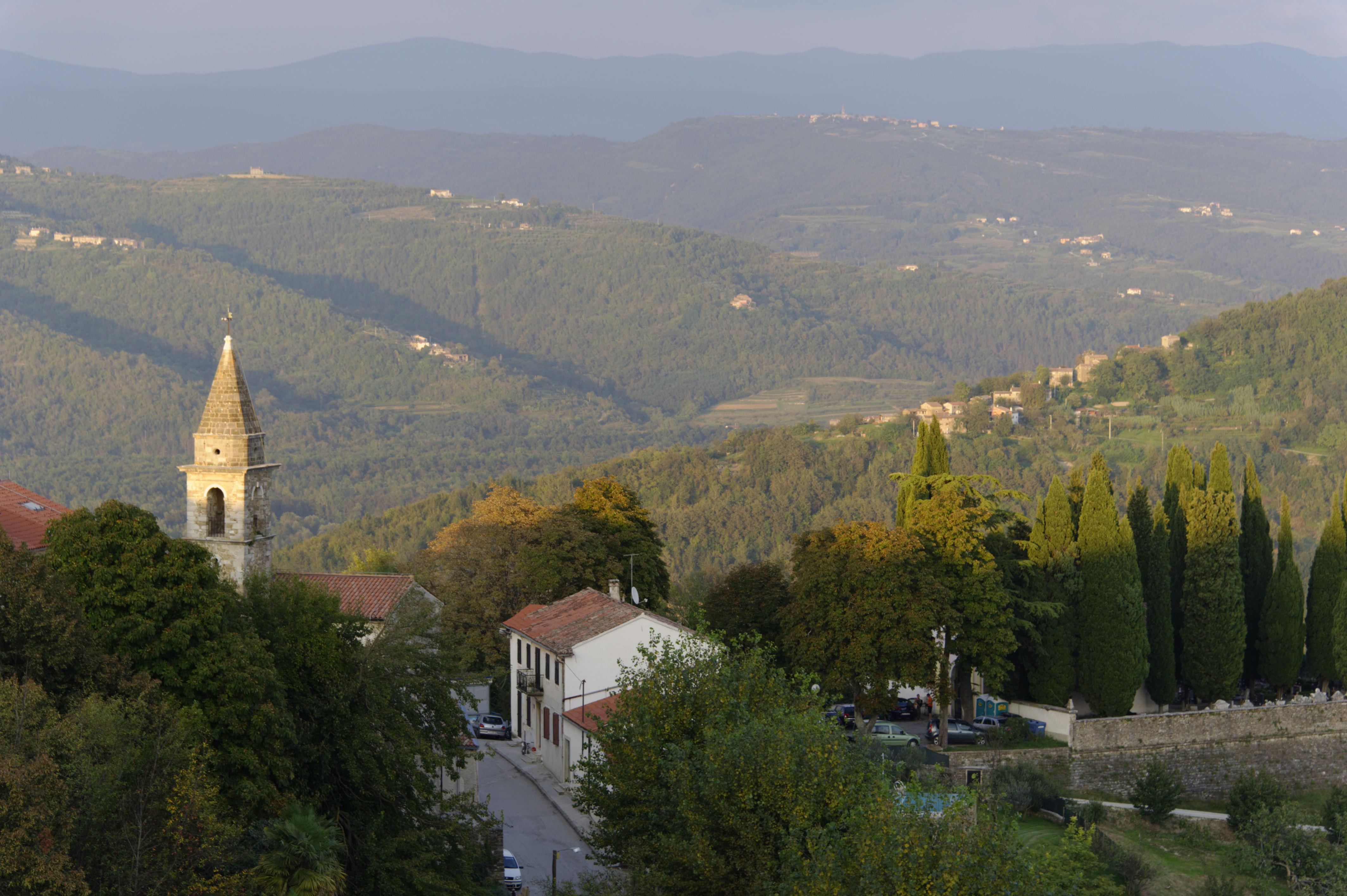8883-Motovun (Istrie)