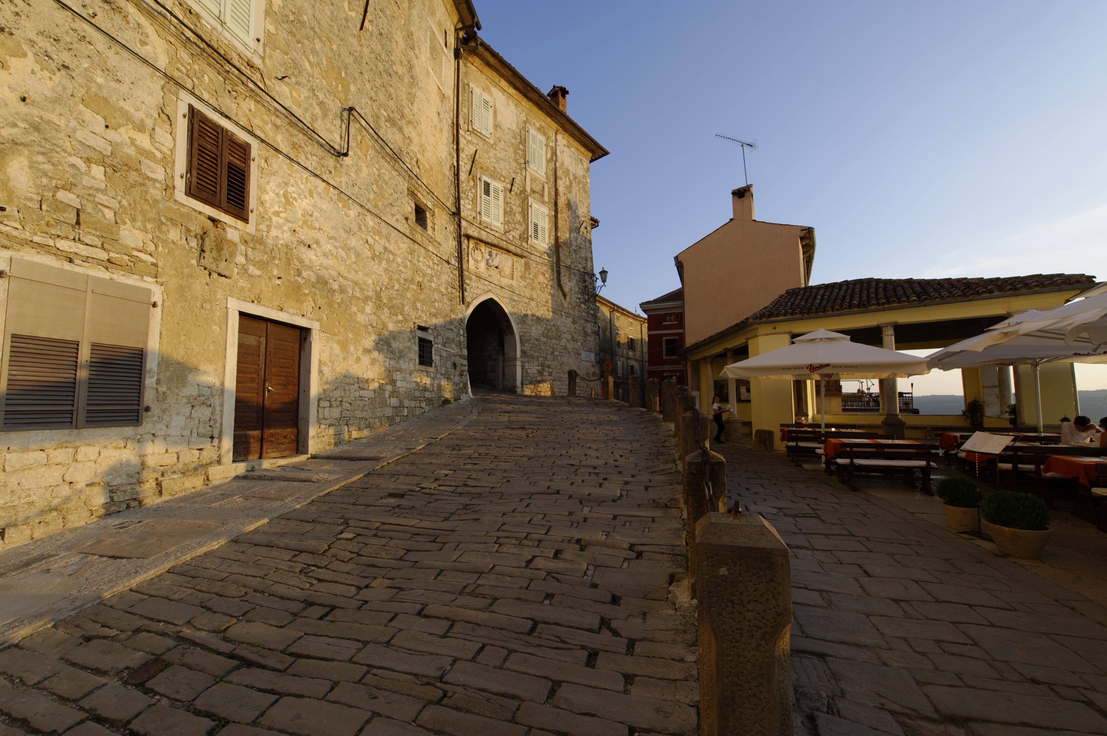 8890-Motovun (Istrie)