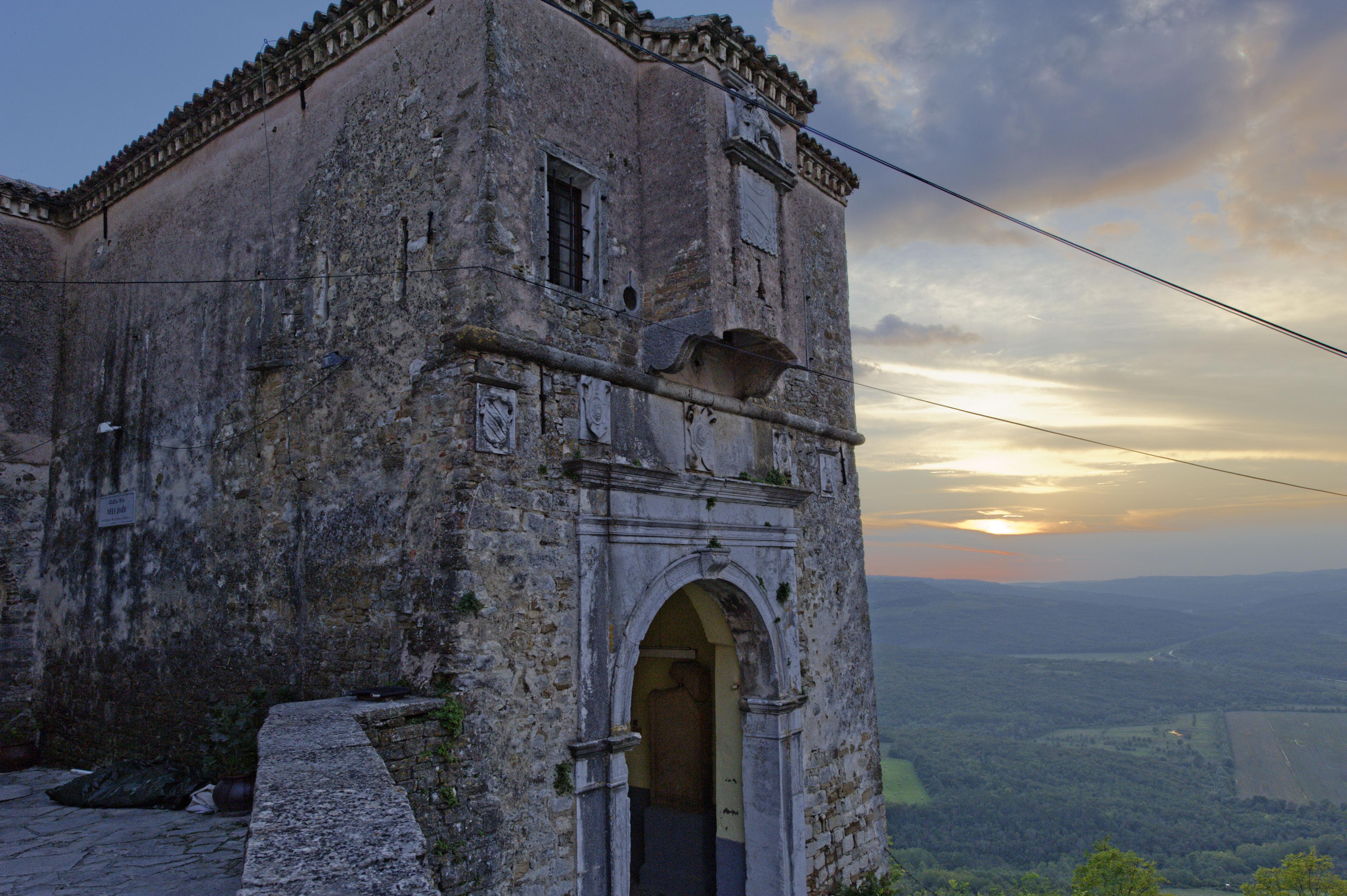 8906-Motovun (Istrie)