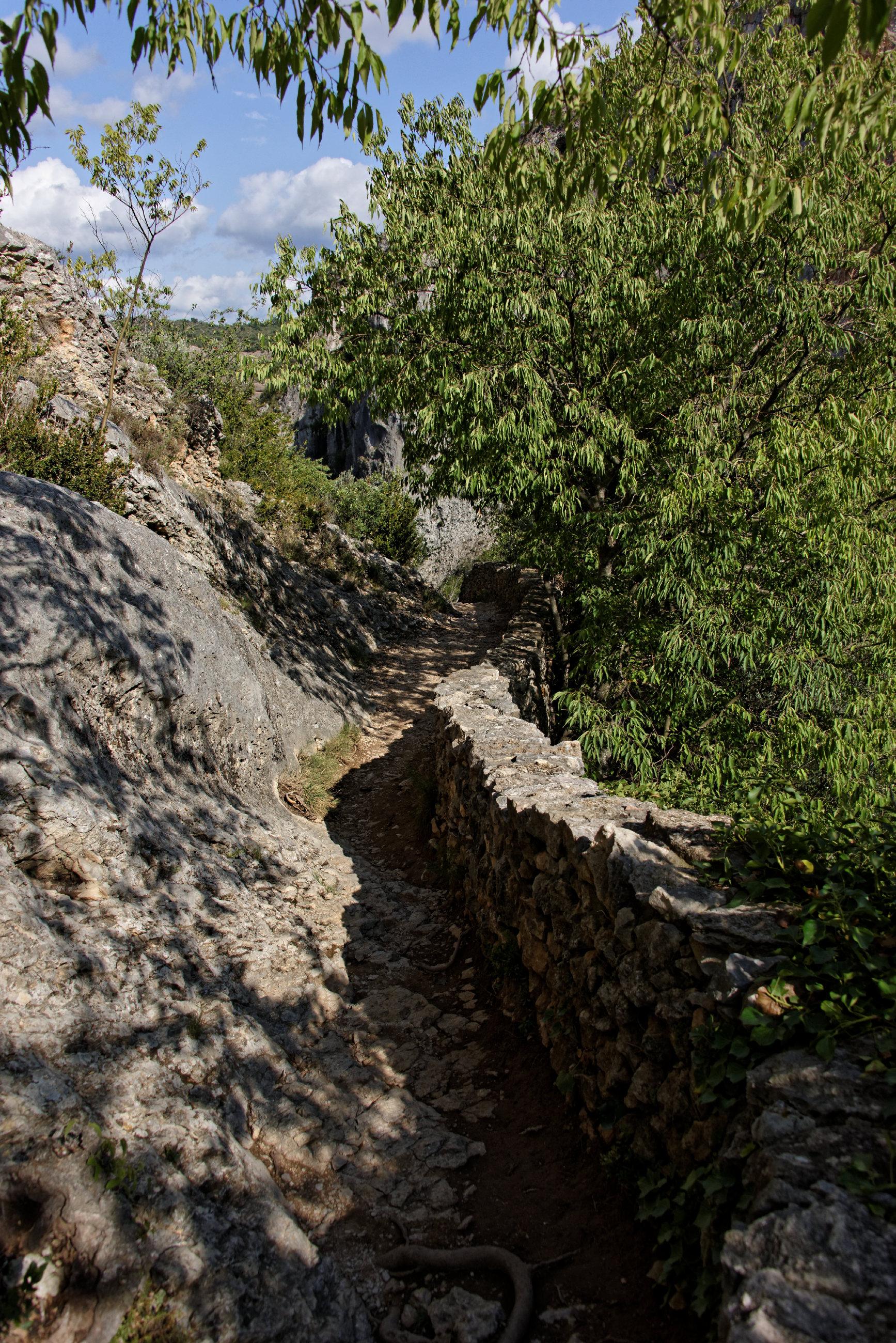 (7650) Alquezar - Sentier des passerelles ( Somontano)