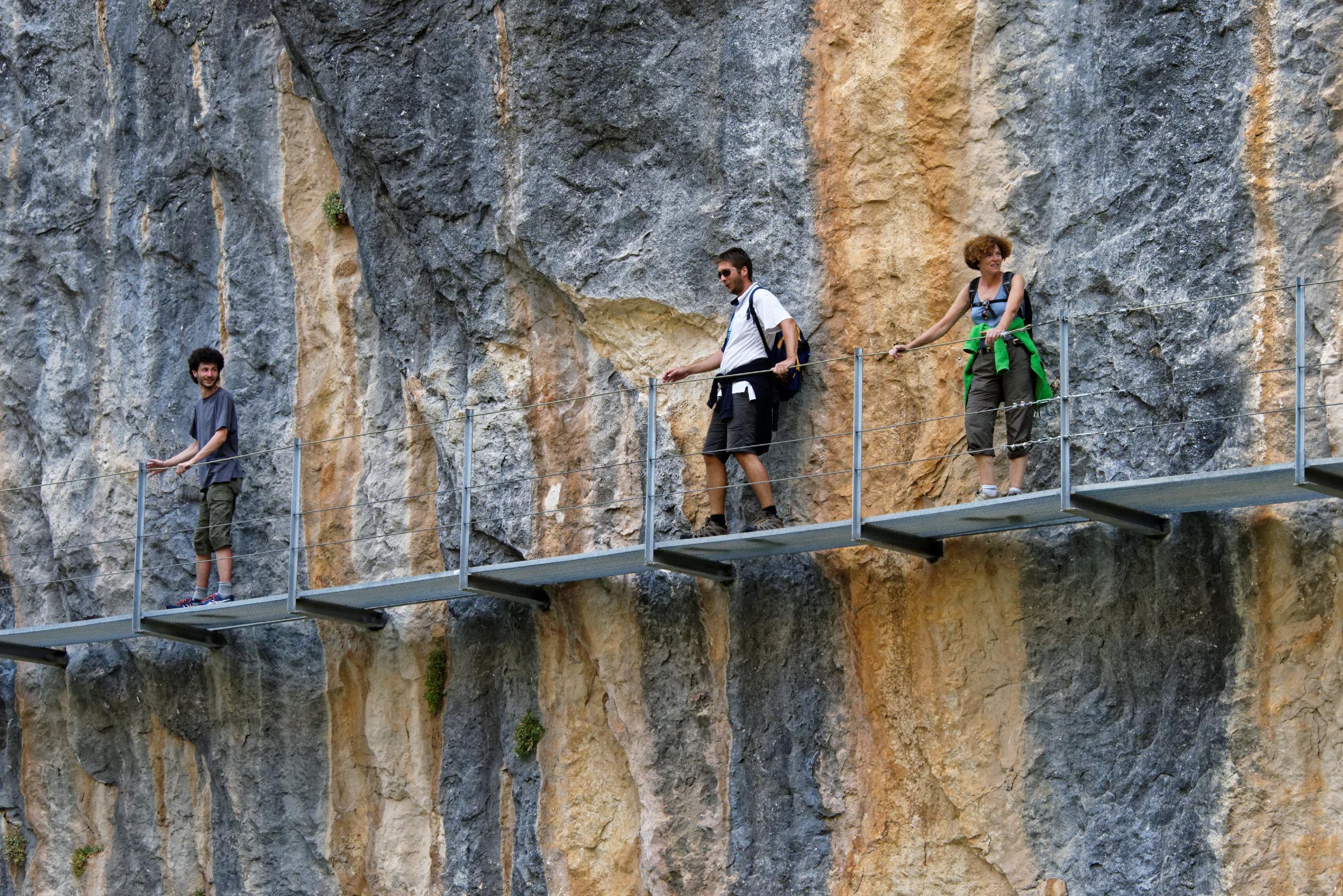 (7679) Alquezar - Sentier des passerelles ( Somontano)