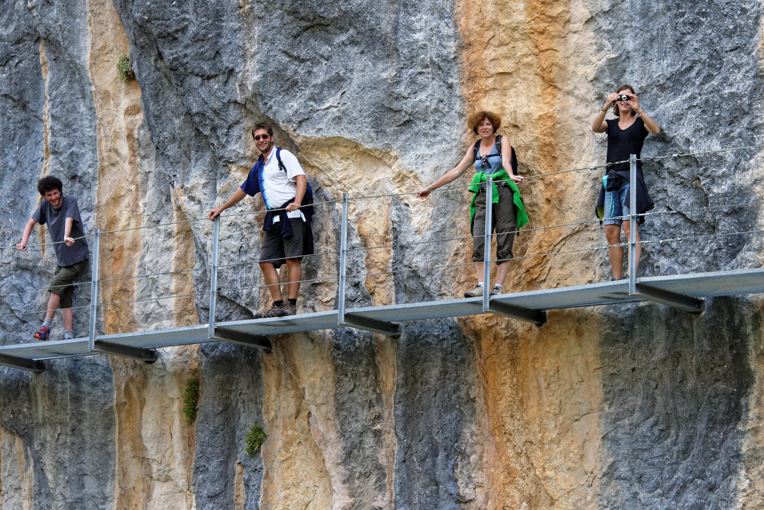 (7680) Alquezar - Sentier des passerelles ( Somontano)