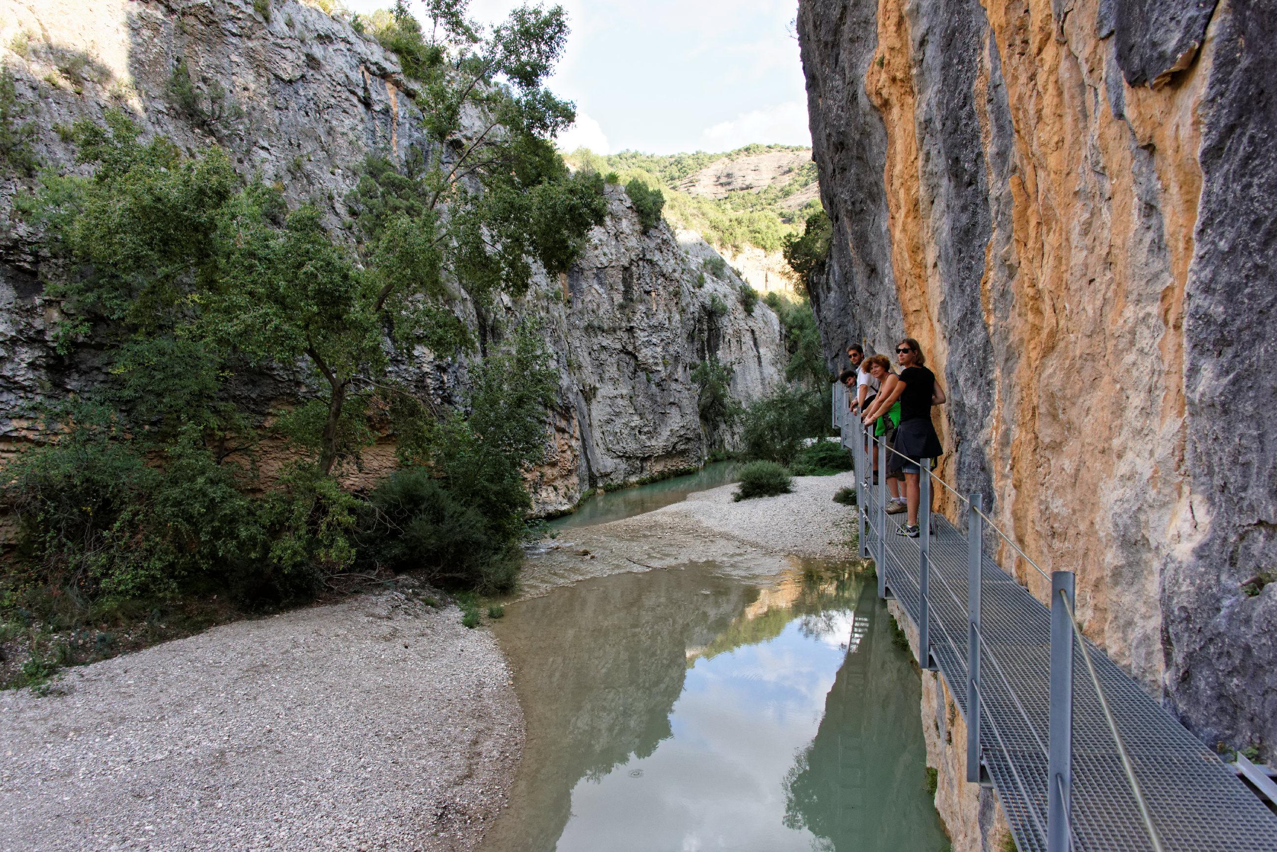 (7686) Alquezar - Sentier des passerelles ( Somontano)