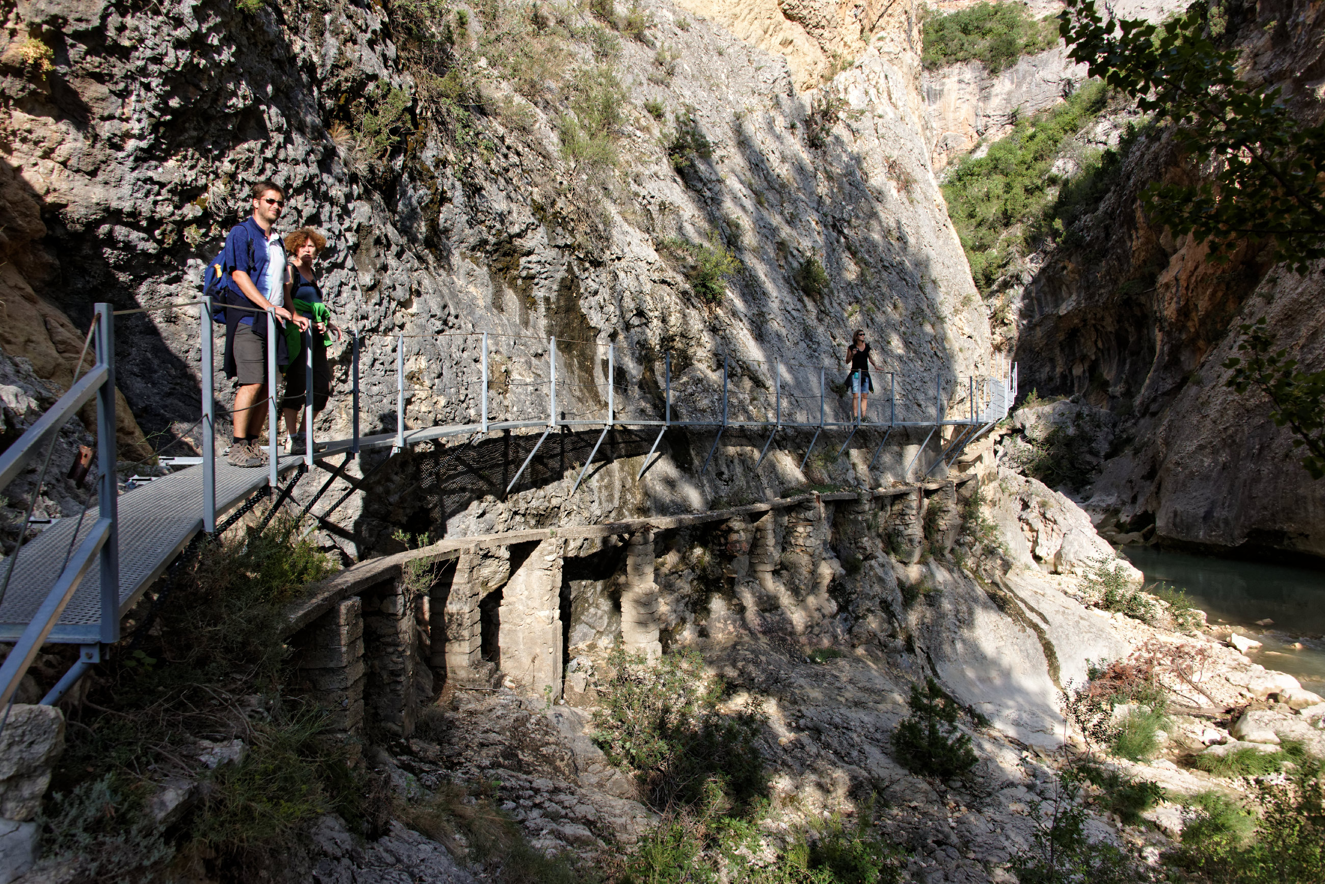 (7706) Alquezar - Sentier des passerelles ( Somontano)