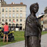 190623 (144) Un matin à Bordeaux - Autour d une statue